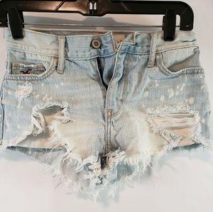 💥Hollister mini booty distressed blue Jean shorts